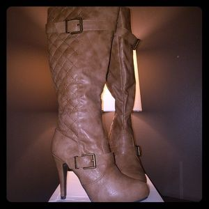 NIB DBDK Quilted Knee Taupe/Camel Stiletto Boot